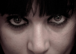 yeux-bdef-pxl-7c7f899af354c54b5ec2c8efdd5a5f036aefd90f