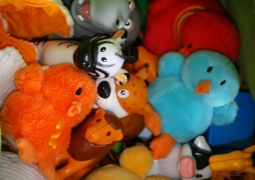 jouets-2-7bb93f90e4d9efaf4d6549aa710e31ff1b08df48