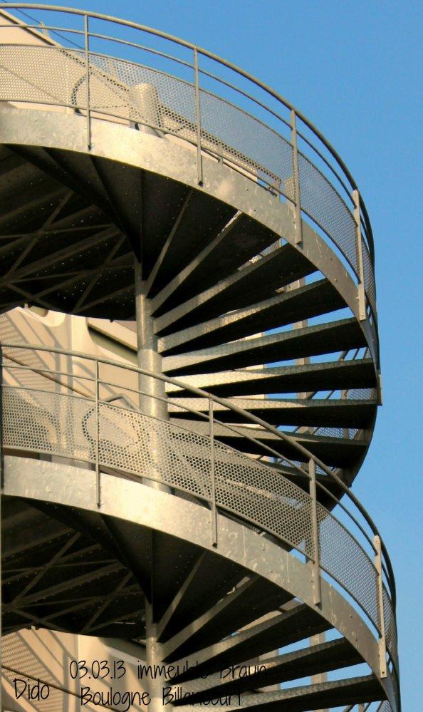 escalier2-cb25c8a249c08fd1a5feb0bc8e7c9f6636844fc9