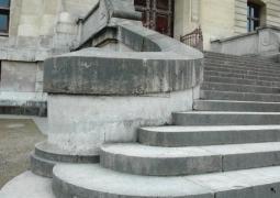 photo52_dahu_10_escalier-62184d74bf6b2c594e9adca1bf8b69fd56598265