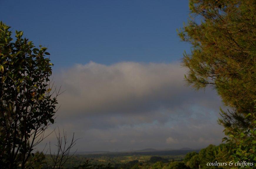 dans-les-nuages-red-c85dca30892ff10bbe7a579ec0281d30e0188a98