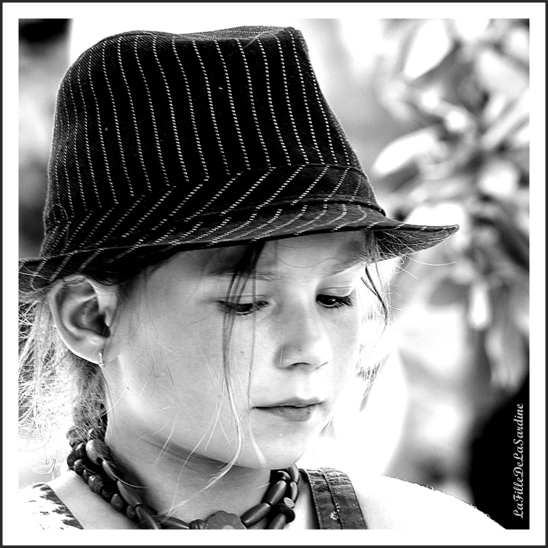 le-chapeau-de-lola-1-f53f77bb7e2d68b71562e1872676e95a4e8c4e2d
