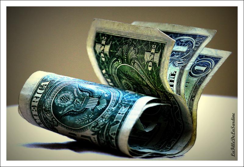 dollars-6639d98471e80409c249f817011a4c94f9ac2b13